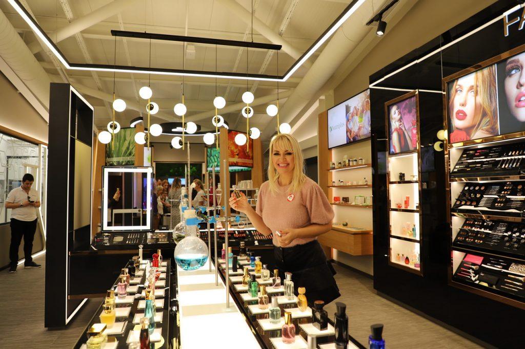 Show room Farmasi fabrike iliti ostvarenje snova svake žene koja obožava parfeme, kozmetiku i šminku!